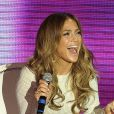 Jennifer Lopez, hilare, savoure son retour sur le continent sud-américain au cours d'un passage sur le plateau de l'émission Dreaming To Sing. Buenos Aires, le 20 juin 2012.