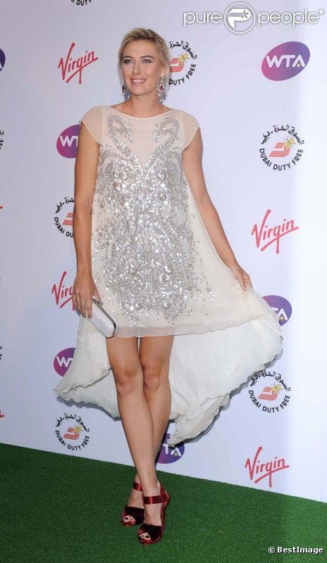 Maria Sharapova, charmeuse, le 21 juin au Roof Gardens à Kensington durant la soirée pré-Wimbledon