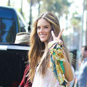 Alessandra Ambrosio : Rayonnante hippie d'un jour, elle respire le bonheur