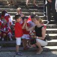La comtesse Sophie de Wessex a fait sensation auprès des plus jeunes lors de sa visite officielle avec le prince Edward à Gibraltar pour le jubilé de diamant d'Elizabeth II, du 11 au 13 juin 2012.