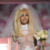 Zahia Dehar : Une superbe mariée sexy pour un défilé gourmand et people