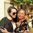Emmanuelle Béart et Béatrice Dalle lors du défilé de mode haute couture Zahia automne-hiver 2012-2013 le 2 juillet 2012 à l'hôtel Salomon de  Rothschild  à Paris