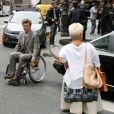 Mimie Mathy et la comédien Philippe Caroit sur le tournage de Joséphine, Ange gardien, à Paris, le 19 juin 2012