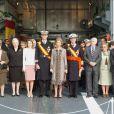 La famille royale d'Espagne réunie en novembre 2004. L'infante Margarita d'Espagne, soeur du roi Juan Carlos Ier, a dû être hospitalisée en raison d'une forte fièvre début juillet 2012, renonçant à une cérémonie de la Fondation des Ducs de Soria.