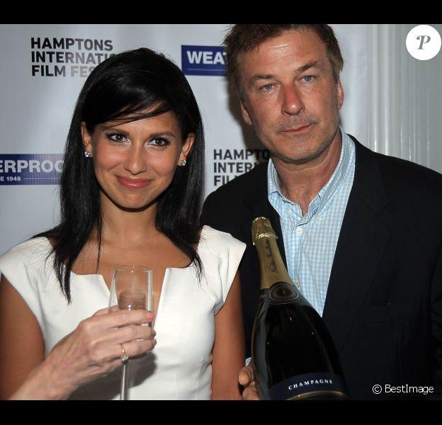 Alec Baldwin, et son épouse Hilaria Thomas, qu'il épousait il y a quelques jours à peine, assistent à la projection de Searching for Sugar Man, à Hampton, le vendredi 6 juillet 2012.