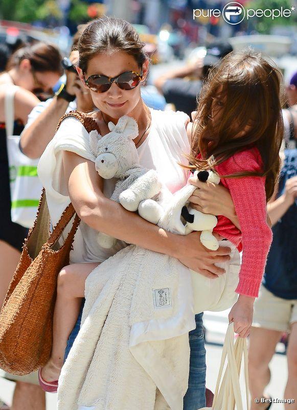 Katie Holmes et sa fille Suri à New York le 8 juillet 2012