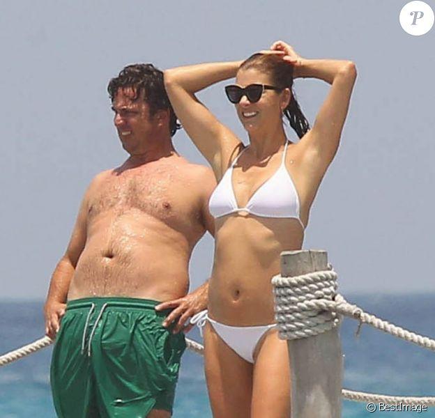 Kate Walsh et son compagnon Chris Case, au Mexique, le 19 juillet 2012.