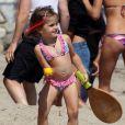 Anja a volé la vedette sur la plage avec sa maman Alessandra Ambrosio !