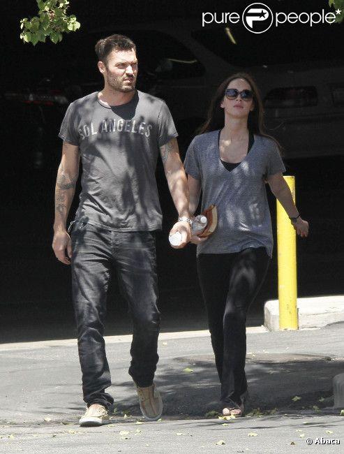 Megan Fox, enceinte, profite d'une journée ensoleillée avec son époux Brian Austin Green à West Hollywood le 25 juillet 2012