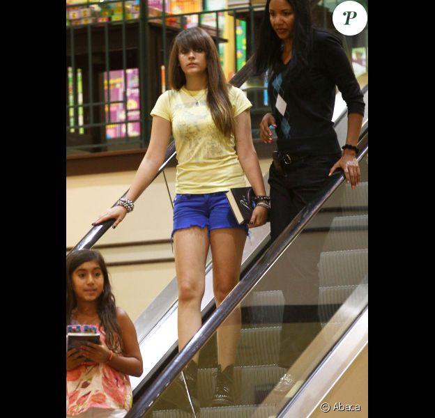 Paris Jackson se rend au centre commercial Barnes & Noble pour acheter un livre, le dimanche 29 juillet 2012 à Calabasas.