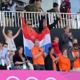 Avec leurs filles, le prince Willem-Alexander et la princesse Maxima des Pays-Bas ont encore eu l'occasion de brandir les couleurs de leur pays, à l'occasion de la victoire de leurs hockeyeurs face à l'Allemagne à la Riverbank Arena le 5 août 2012, 3 à 1.