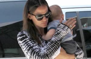 Jennifer Garner : Son père, attendrissant, porte l'adorable Samuel dans ses bras