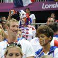 Alain Bernard et Coralie Balmy ont été des supporters énergiques des Bleus. Champions olympiques pour la seconde fois consécutive le 12 août 2012 à Londres, les Experts du hand français avaient derrière eux un public en or.