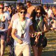 Louis du groupe One Direction avec sa petite amie Eleanor assistent au V Festival, le samedi 18 août 2012.