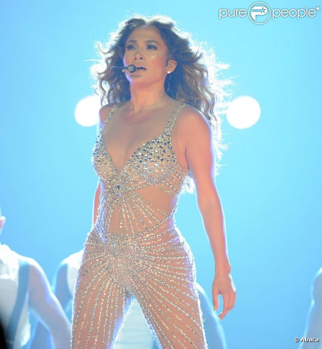 Jennifer Lopez en concert avec Dance Again World Tour à Anaheim, le 11 août 2012.