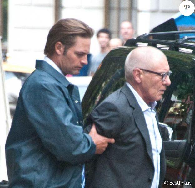 Josh Holloway et Harrison Ford sur le tournage de Paranoia à Philadelphie, le 21 août.