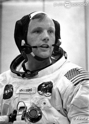 Hommage.  922318-neil-armstrong-0x414-2