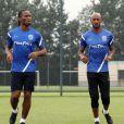 Didier Drogba et Nicola Anelka lors d'une séance d'entraînement avec le Shanghai Shenhua à Shanghai le 16 juillet 2012