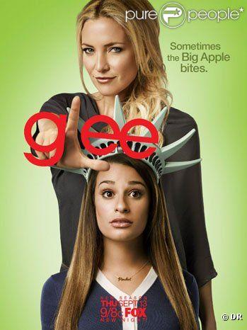 Poster saison 4 de  Glee , avec Kate Hudson et Lea Michele, de retour sur les écrans le 13 septembre 2012.