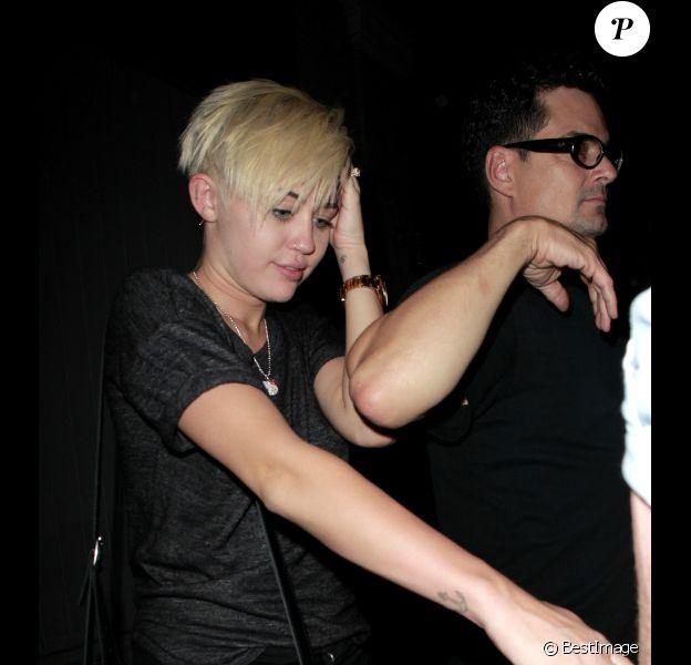 Miley Cyrus assiste au concert de son papa Billy Ray Cyrus, le vendredi 31 août 2012 à West Hollywood.