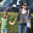 Courteney Cox et sa fille Coco Arquette font du shopping et déjeunent à Beverly Hills le 4 septembre 2012