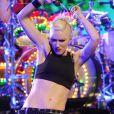 Gwen Stefani déchaînée sur la scène du Rockefeller Center avec son groupe No Doubt, interprétant le titre Settle Down pour lancer la saison 2012 de football américain. New York, le 5 septembre 2012.