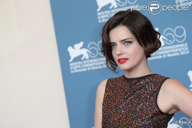 Roxane Mesquida lors du photocall du film 'Kiss of the ...