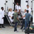 Josh Hutcherson et ses partenaires sur le tournage de Hunger Games 2 : L'Embrasement, à Atlanta en Géorgie le 13 septembre 2012
