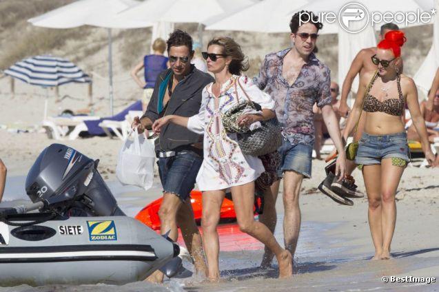 Kate Moss, prolonge ses vacances avec son mari Jamie Hince. A Ibiza, le 15 septembre 2012.