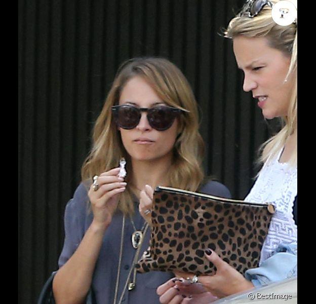 Nicole Richie fête son anniversaire en compagnie de quelques amies sur Hollywood Boulevard, le vendredi 21 septembre 2012.