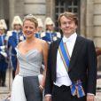 Le prince Friso et la princesse Mabel en juin 2010 au mariage de la princesse Victoria et Daniel Westling.   Le prince Friso d'Orange-Nassau, dans le coma depuis février 2012 après avoir été pris dans une avalanche à Lech am Arlberg, s'est brièvement réveillé sous le regard de sa femme la princesse Mabel, en septembre 2012.