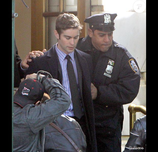 Chace Crawford alias Nate est arrêté sur le tournage de la série Gossip Girl, à New York, le 1er octobre 2012. Que lui arrive-t-il ?
