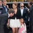 Jennifer Lopez a emmené sa fille Emme assister au défilé Chanel le 2 octobre 2012 à Paris, au Grand Palais