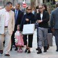 Jennifer Lopez fait un peu de shopping dans les rues de Paris le 2 octobre 2012