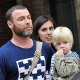 Liev Schreiber part chercher ses enfants à l'école, à New York, le mercredi 3 octobre 2012.
