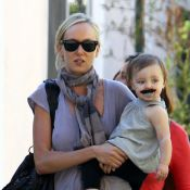 Kimberly Stewart : maman star et stylée de la craquante et moustachue Delilah