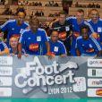 Michael Jones et son équipe lors du Foot-Concert qui se déroulait à Lyon le 13 octobre 2012 au profit de l'association Huntington Avenir