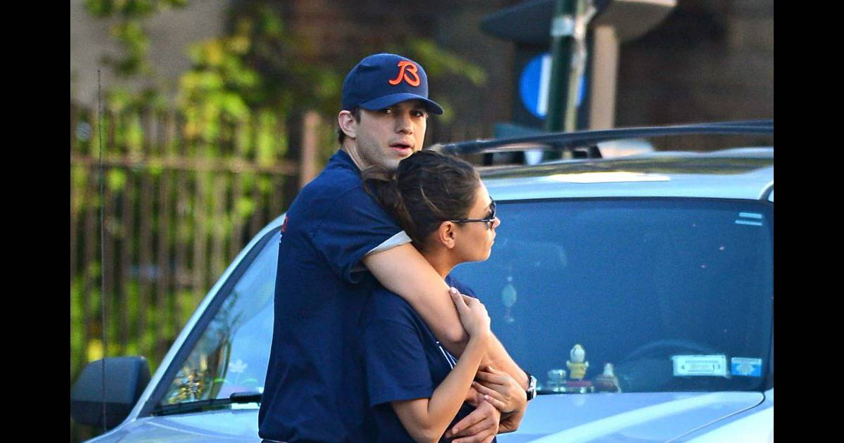 Ashton kutcher et mila kunis 224 new york le 23 septembre 2012
