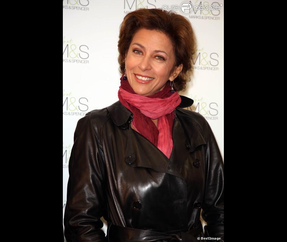 Corinne Touzet à l'inauguration de la boutique Marks & Spencer au centre commercial So Ouest, à Levallois, le 17 octobre 2012