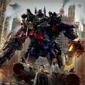 Transformers : Clash médiatique entre le réalisateur Michael Bay et Hugo Weaving