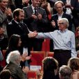 Ken Loach a reçu le Prix des Lumières en présence du footballeur et acteur Eric Cantona, à Lyon le 20 octobre 2012.