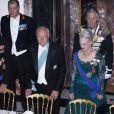Le président slovaque entre le prince Henrik et la reine Margrethe à Fredensborg pour le dîner officiel en l'honneur du couple présidentiel slovaque, le 23 octobre 2012.
