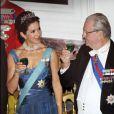 La princesse Mary de Danemark pportant un toast au dîner d'Etat au palais de Fredensborg le 23 octobre 2012 en l'honneur de la visite présidentielle slovaque au Danemark.