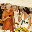 La princesse Marie de Danemark attablée avec le ministre de l'Industrie Annette Wilhelmsen au dîner d'Etat au palais de Fredensborg le 23 octobre 2012 en l'honneur de la visite présidentielle slovaque au Danemark.