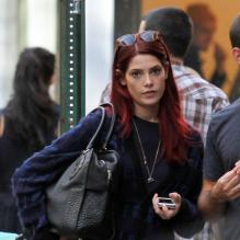 Ashley Greene et son look punk à New York le 20 octobre 2012.