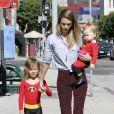 Les filles de Jessica Alba déguisées pour Halloween 2012.