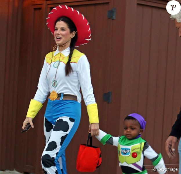 Sandra Bullock déguisée pour Halloween 2012.