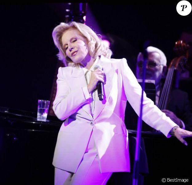 Sylvie Vartan, toujours incroyable sur scène. Elle a donné un concert à la Salle Pleyel à Paris le 23 novembre 2011.