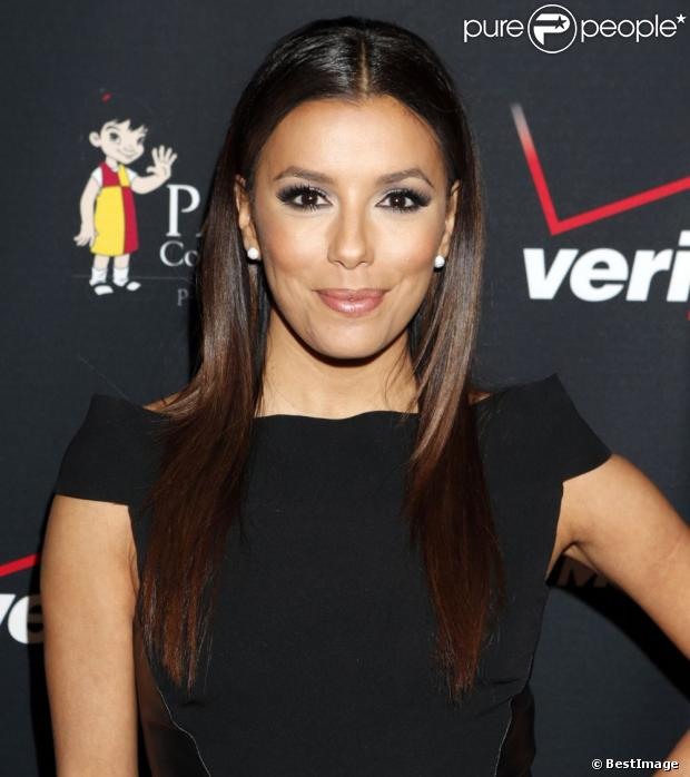 eva longoria sublime et glamour pour soutenir les latinos. Black Bedroom Furniture Sets. Home Design Ideas