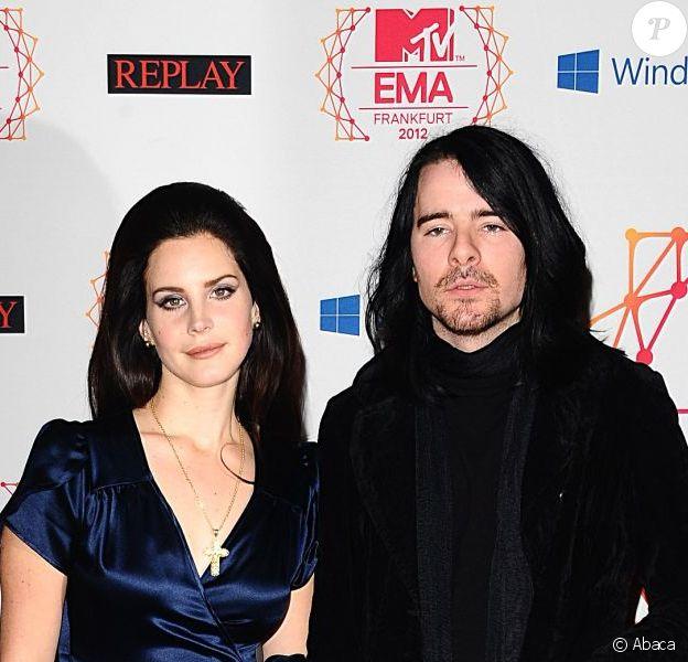 Lana Del Rey et son boyfriend Barrie James O'Neill à la cérémonie des MTV Europe Music Awards 2012 à Francfort, le 11 novembre 2012.